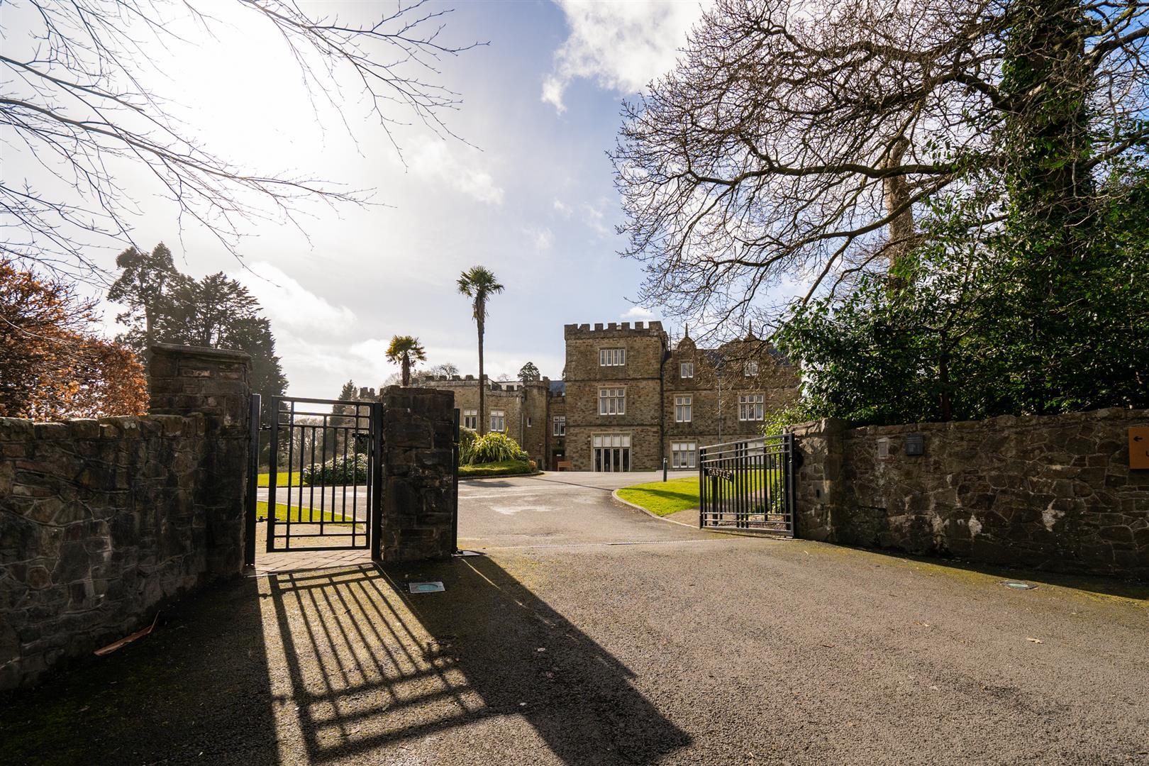 The Coach House, Castle View, Swansea, SA3 5BZ